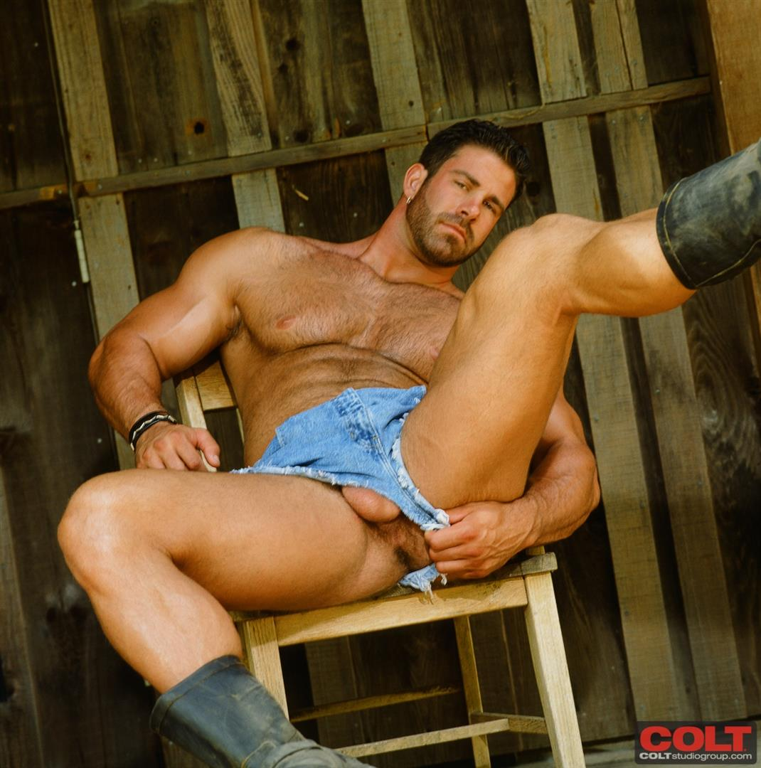 Colt-Studio-Group-Pete-Kuzak-Hairy-Muscle-Hunk-With-Hairy-Cock-Amateur-Gay-Porn-01 Hairy Muscle Hunk Colt Icon Pete Kuzak Showing It All