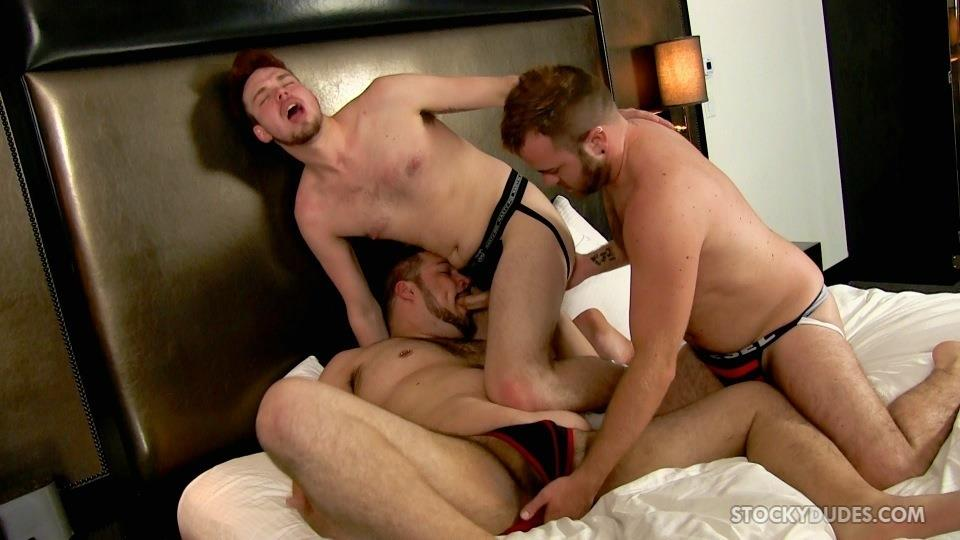 Stocky-Dudes-Brock-Fulton-and-Craig-Cruz-and-Zeke-Johnson-Chub-Cub-and-Chaser-Barebacking-Amateur-Gay-Porn-07 A Chub, A Cub and A Chaser Bareback At A Hotel Orgy