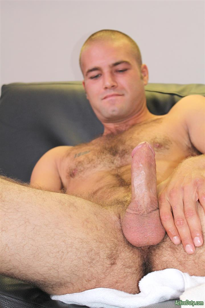 Active-Duty-Sean-Naked-Army-Soldier-With-A-Thick-Cock-Amateur-Gay-Porn-10 27 Year Old Straight Army Soldier Jerks His Big Thick Cock