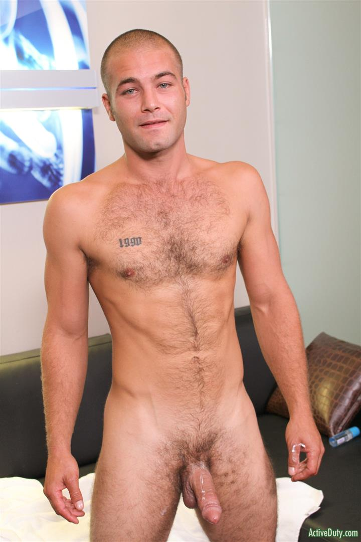 Active-Duty-Sean-Naked-Army-Soldier-With-A-Thick-Cock-Amateur-Gay-Porn-14 27 Year Old Straight Army Soldier Jerks His Big Thick Cock