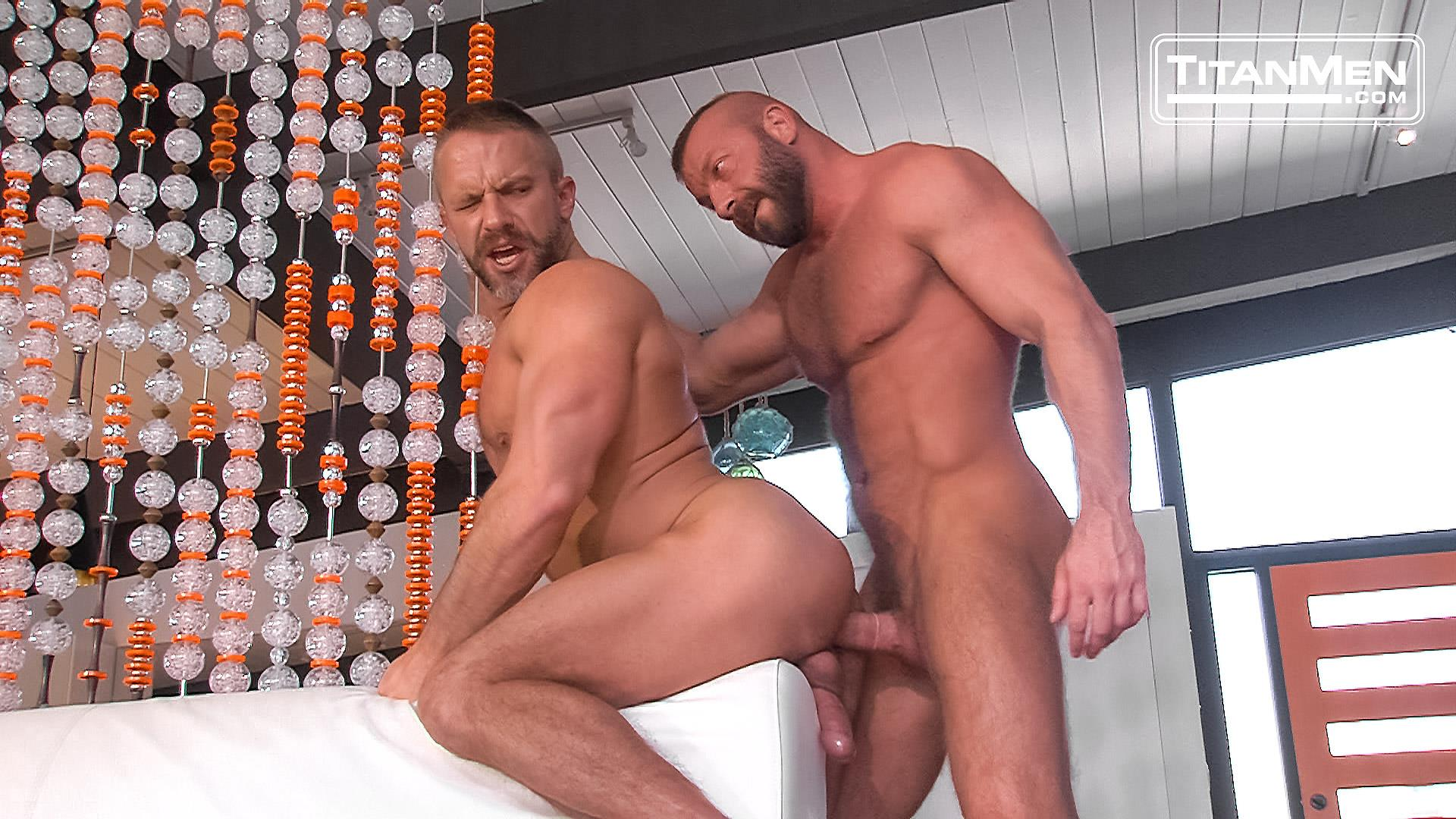 Free Gay Muscle Daddy Porn